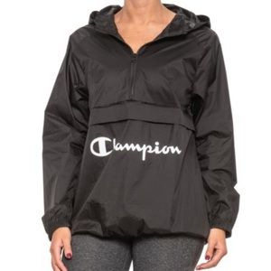 Champion oversized packable logo windbreaker M